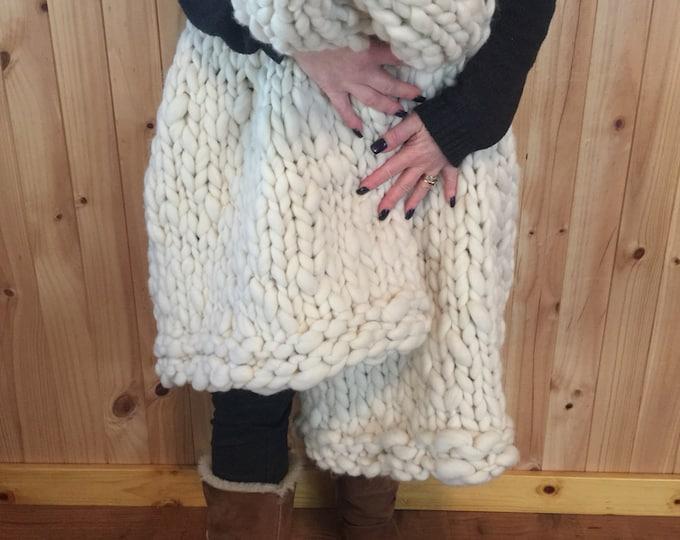Huge Chunky Knit Merino Wool Blanket. Super Soft Handspun Yarn. Huge Knit. Warm. 48x70in
