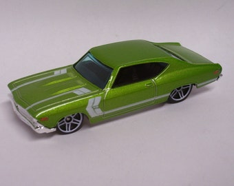 Hot Rod Magnet - 1969 Chevrolet Chevelle SS : Hot Rod, Man Cave, Refrigerator, Tool Box, Stocking Stuffer, Magnet