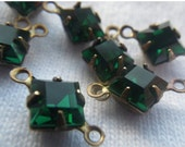 ON SALE 18% Off Emerald Green Vintage Swarovski Square 6x6mm Glass Brass Ox Connectors Two Loops 6 Pcs