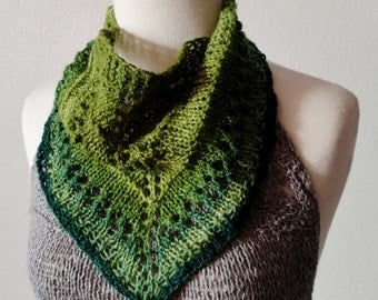 Handspun Knit Mini Scarf in Hand Dyed Green Wool, Wooden Button - Headscarf, Retro, Vintage Look, Lace, Rustic. Spring Feverish MiniKerchief