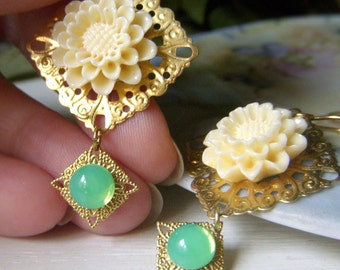 Cream Floral Earrings Brass, Carved Resin Flower, Shabby Vintage Earrings, Green and Cream Floral Filigree Earrings Romantic Vintage Style