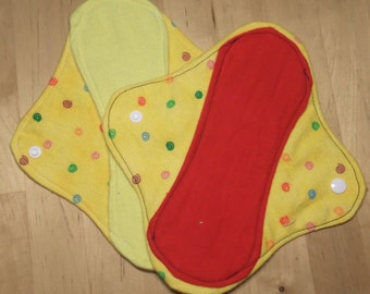 3 Moon-thly Pantyliners - Spirals yellow red