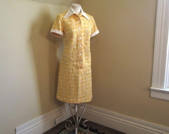 "60s Yellow Check vintage Dress Dog Ear white collar 60s Yellow knit Dress 60s Shirtdress short sleeves simple style  L 42"" bust"