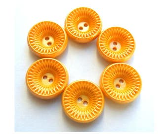 6 vintage plastic buttons, yellow 21mm
