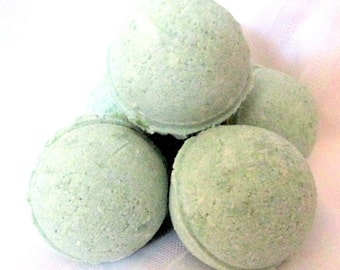 Eucalyptus Bath Bomb 2.8 oz net (handmade, natural exfoliation, moisturizing, aromatic) Individually packaged and labeled, Stardust soaps