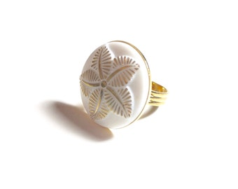 White and Gold Carved Flower Ring, Flower Ring, Gold and White Ring