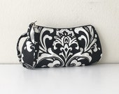 Pleated Wristlet Zipper Pouch // Clutch - Ozborme Black