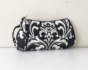 Pleated Wristlet Zipper Pouch // Clutch - Ozborme Black