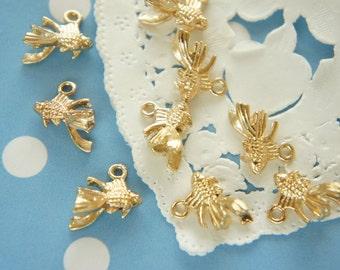 5 pcs Tiny Goldfish Charm  (15mm10mm H10mm) AZ370