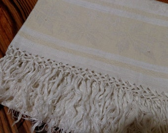 Vintage Linen Table Runner / Grape Damask Linen / Guest Towel / Tea Towel