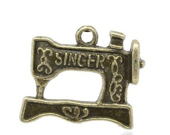 10 Sewing Machine Charms Pendants Antique Bronze Singer Sewing Charms Single Sided 18mm x 20mm C212