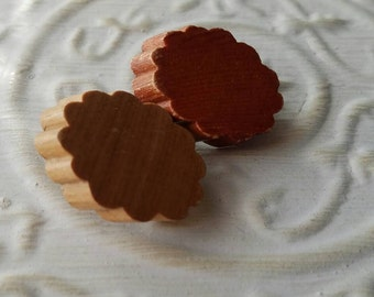 Vintage Buttons -2 large ruffled edge 2 colors novely wood design 1940's-50's  (feb 335 17)