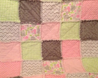 Baby Girl Rag Quilt...with Animals