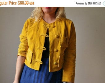 25% OFF SALE 1950s Marigold Velvet Jacket >>> Size Medium