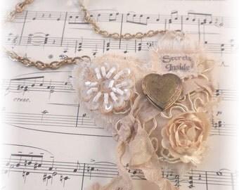 Secrets Inside, Valentine Necklace