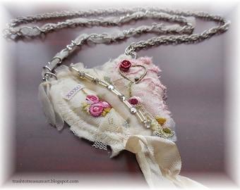 XoXo, Valentine Necklace