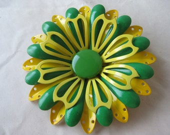 Flower Green Yellow Daisy Brooch Enamel Vintage Pin