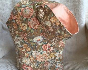 Grommet Bag, Reversible, Large-Floral Bouquet