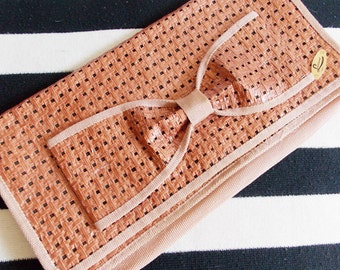Vintage 1970s does 1940s Italy pink coral rattan Clutch Handbag / 70s extra large bow envelope Purse/ WWII swing style purse