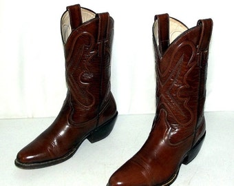 Brown Leather cowboy boots womens size 6.5 - Morgan and Miller brand - western wear