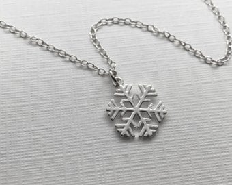 Snowflake Necklace in Sterling Silver - Winter Wedding, Christmas Jewelry, Gift for Her