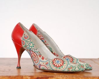 SALE - Vintage 1950s Shoes - The Temptation Heels - Gorgeous I.Miller Printed Stiletto High Heels in Red Leather and Multi-color Paisley Siz