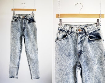 Mixed Blues Stone Wash Woman's High Waist Tapered Leg 80's Retro Jeans