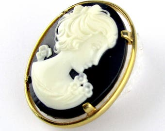 Cameo Brooch Napier Black White