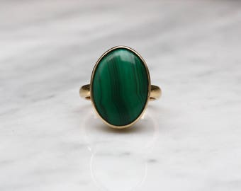 MIDCENTURY MALACHITE VINTAGE  14k gold antique solitaire cocktail statement ring circa 1960s size 7