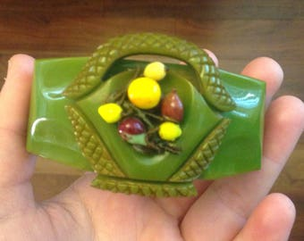 Rare 1930s green carved bakelite flower basket clamper bracelet