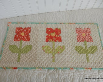 Flowers in a Row Mini Quilt PDF Pattern