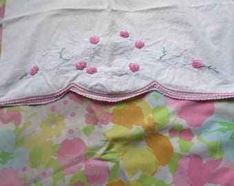 REMIX Pair Pillowcases / STANDARD Pillow Size / Retro Mod floral and Pink Embroidered with Scalloped edge / Standard Size Pillowcases