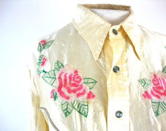 90s does 60s satin rose cowgirl snap button shirt / medium