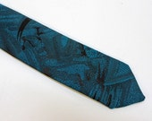 "90's  Mens Super Skinny Tie / Narrow Necktie / Royal Blue / 1 1/2"" wide"