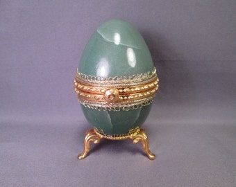 """Vintage Green Marble Egg Presentation Box or Paperweight - 3 1/2"""" Tall"""