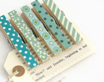 Set of 5 Blue Themed Decorated Clothespin Pegs / Wooden Clips / Decorative Wooden Pegs / Place Card Holder / Treat Bag Topper