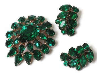 Green Rhinestone Brooch  Earrings Demi Set 1960s Vintage