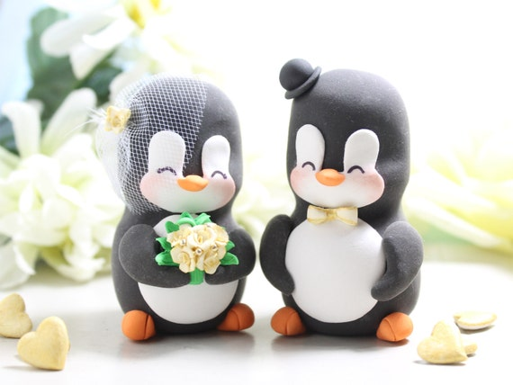 Wedding Statue Gifts: Unique Wedding Cake Toppers Figurines Bride Groom Penguins