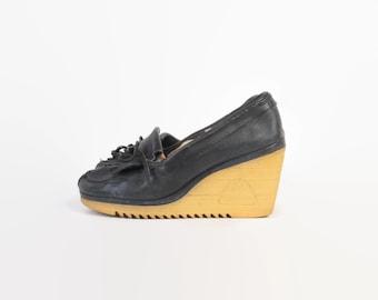 Vintage 70s WEDGES / 1970s Navy Blue Leather Fringe Platform Loafers 10