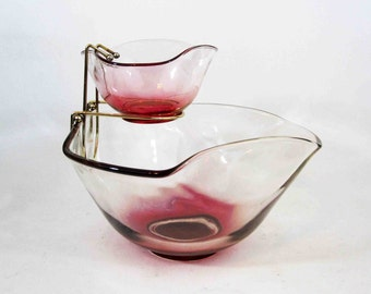 Vintage Chip and Dip Bowl Set in Pink Ombre. Circa 1960's.
