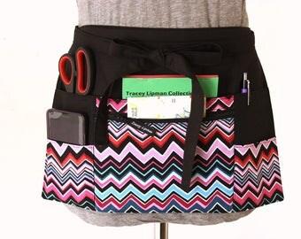 Teacher Apron - half apron with zipper pocket - Waitress apron - Vendor apron - utility apron - waist apron - money apron - craft show apron