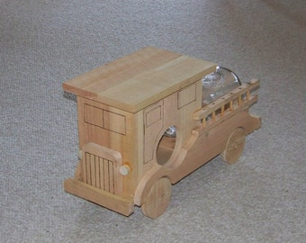 Rustic Flat Nose Fire Truck Cedar Wooden Squirrel Feeder