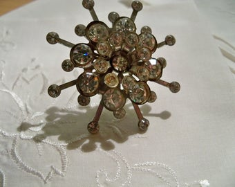 vintage snow flake look brooch glass clear rhinestones 3 tier