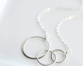 Silver Circle Necklace - Layering Necklace - Sterling Silver Interlocking Circles Necklace - Everyday Minimalist Necklace - Gifts for Her
