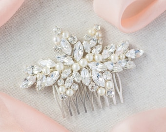Bridal hair comb / wedding hair comb / crystal hair comb / pearl hair comb / bridal hair accessory / KHARA