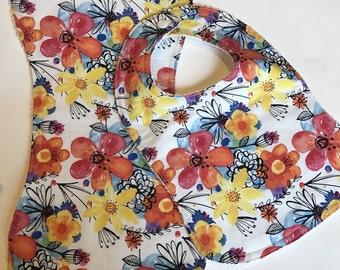 Handmade bib & burpcloth set   Spring fever    Beautiful flower detail   Vibrant colors   Baby Shower gift   Ready to ship!