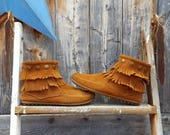 minnetonka mocs, women's size 7. suede and fringe