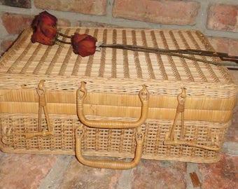 Baskets, Cottage Baskets, Shabby Baskets, Vintage picnic baskets Home Decor, Baskets, End Tables, gift ideas, garden decor.
