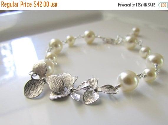 Ivory Pearl Bracelet, Orchid Bracelet, Pearl Bridesmaid Bracelet, Pearl Wedding Bracelet, Single Strand Pearl Bracelet, Sterling Silver