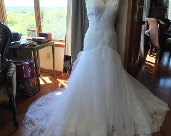 Wedding dress lovely lace and ruched tulle bodice SALE bridal gown